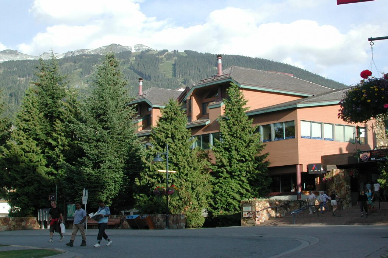 Batiment-Ecole Tamwood à Whistler